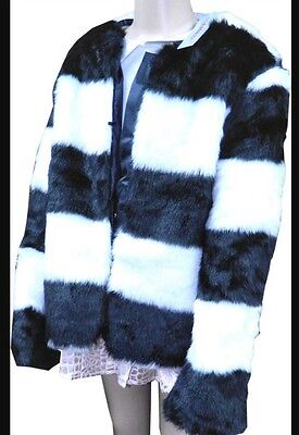 Girls Age 9/10 Black & White Strip Stripped Faux Fur Look Jacket / Coat Free PP