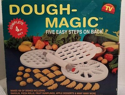 Rare Dough Magic Ravioli Dumpling Molds 4 pc set Imported by Corning Revere NOS