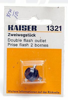 Kaiser 1321 Double Flash Outlet for Leica Cameras -NEW