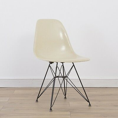 1 x Early Venice Stamp Vintage Original Eames White Fiberglass Side Shell on DSR