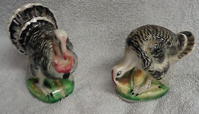 Thanksgiving Ceramic Turkey and Hen Salt And Pepper Shakers Green Base JAPAN
