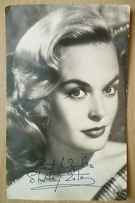 Photograph- Shirley Eaton with print Autograph (apx.13.5x8.5 cm)