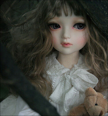 DOLLMORE BRAND NEW Lusion Doll - Drawing Elenoir ( make up)