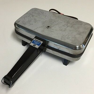 Vintage Vitantonio Pizzelle Chef Model 300 Electric Waffle Cookie Iron Maker USA