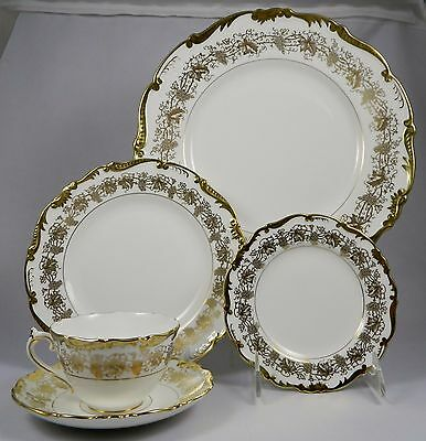 COALPORT HAZELTON WHITE 5 Pc Place Setting (Dinner, Salad, B&B, Cup & Saucer)