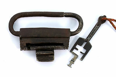 RARE 18c Antique Hand Crafted Unique Collectible Big Iron Pad Lock. G2-216