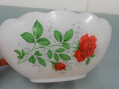 Vintage Pyrex, milk glass ARCOPAL 'RED ROSE' SCALLOPED BOWL - GREAT CONDITION
