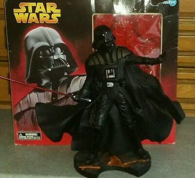 BOXED ARTFX 1/7th SCALE STAR WARS DARTH VADER EP3 Ver SNAP FIT MODEL.