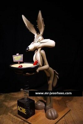 Extremely Rare! Looney Tunes Lifesize Wile E Coyote Butler TNT Figurine Statue