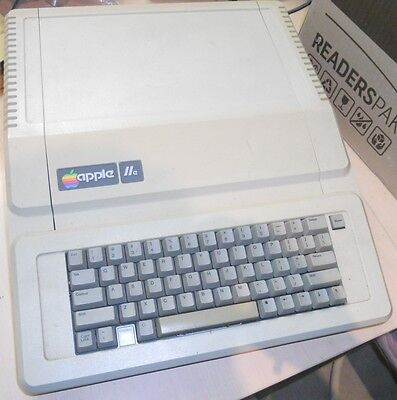 Apple IIe vintage 8-bit computer from USA in 1983