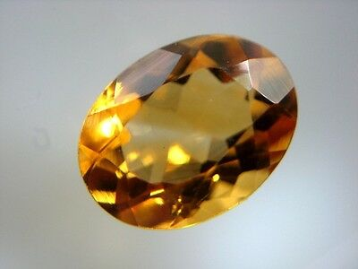 MADEIRA CITRIN  -  OVAL FACET  -  8x6 mm  -  1,17 ct.