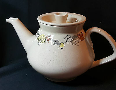 "Franciscan Gladding McBean Woodlore Mushroom Teapot with Lid 8"" EUC"