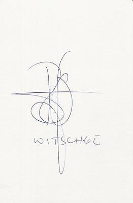 A 14 cm x 9 cm white card. Personally signed by footballer Richard Witschge.