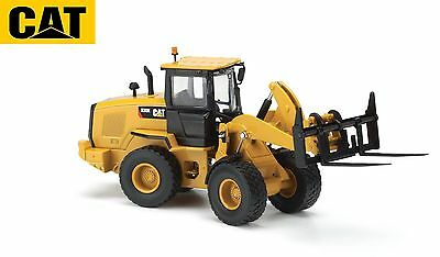 Norscot CAT 930K Wheel Loader w/bucket & forks 1/50 Diecast Model Toy 55266