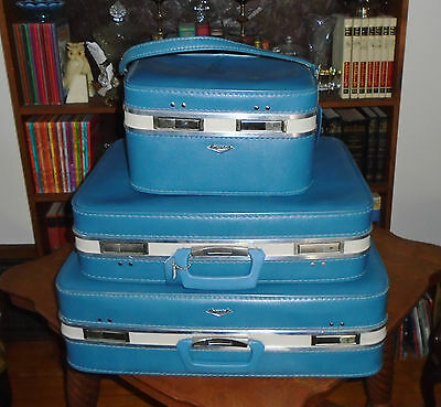 Vintage Mid Century Mod Imperial Blue w White Stripe 1960s luggage Set ~Make up+