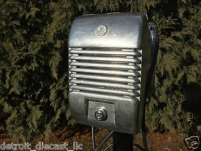 Detroit RCA Chrome Knob Drive-In Theatre Movie Speaker Set With Junction Box