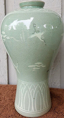 "ANTIQUE Korean Light Green Glaze Ceramic Celadon Crackle Vase   9.5"" tall"