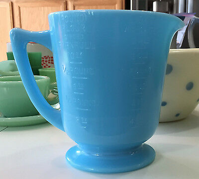 McKee Chalaine Blue Milk Glass 4 Cup Handled Wet Dry Measuring Cup Pitcher