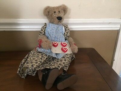 "Sugarloaf Mountain Bears ""Valentine's Day at Grandma's"" by Kay Elmore 17"" Teddy"