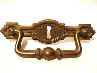 NICE VTG Key Hole Plate Brass Drawer Pull Handle w/ Keyhole DRESSER CHEST VANITY