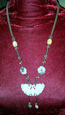 vtg OLD JADE CARVED BUTTERFLY NECKLACE feminine hippie traditional ASIAN charm