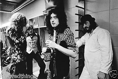 Led Zeppelin 1975 8X10 Photo #1
