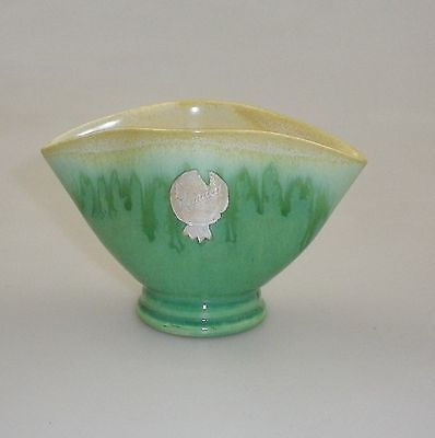 Remued Later Series Fan Vase With An Outward Bulging Front And Back