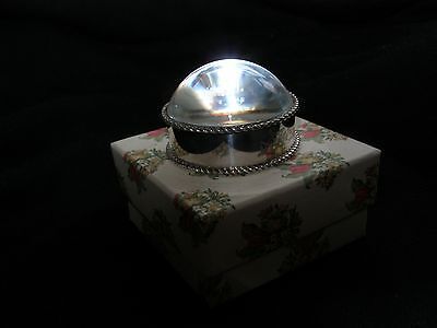 Vintage desk magnifying glass with silver 800 engraved band