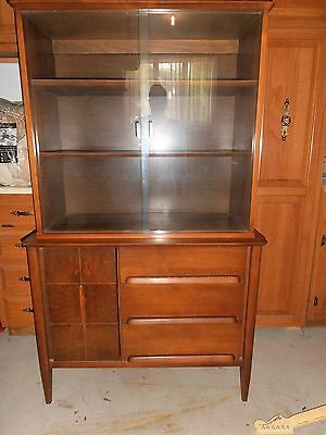 Vintage Mid Century Modern China Cabinet/Buffet by Stanley MFG Co. Walnut