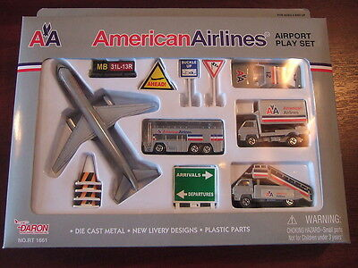 American Airlines AA AIRPORT PLAY SET & Model Aircraft Playset