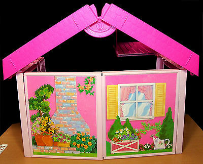 1992 Barbie Fold 'n Fun Doll House - VGC