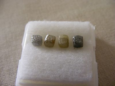 4 Rohdiamant Würfel, 4 natural rough diamond cubes, 3,77 ct.