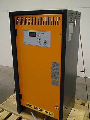 Helmar Power Point Battery Charger