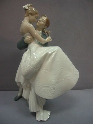 The Happiest Day Wedding Figurine By Lladro #8029