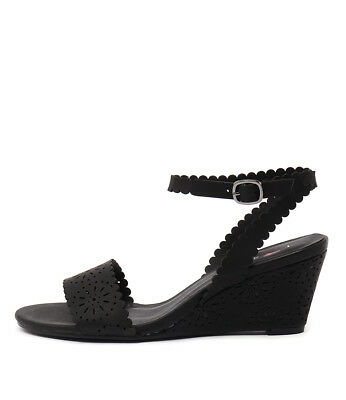New I Love Billy Bettie Black Womens Shoes Casual Sandals Heeled
