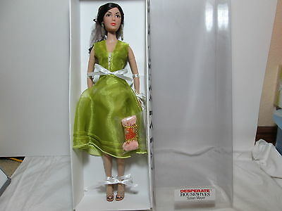 "Madame Alexander Desperate Housewives SUSAN MAYER 16"" Fashion Doll Collection"