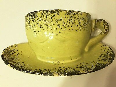 Vintage Wall Pocket Coffee / Tea Cup Saucer Wall Pocket