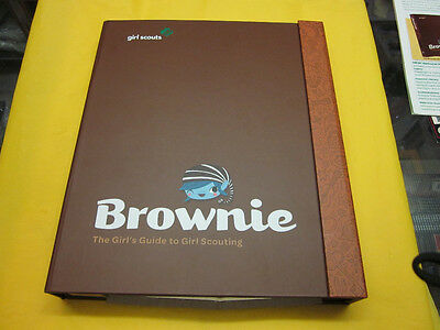 The Brownie Girl's Guide To Girl Scouting ( New )