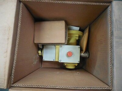 NEW Milton Roy MDP15B02C5M11AA Piston Pump