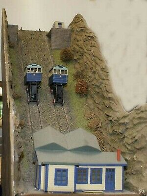 OO Scale Unpainted Model Kit Cliff Railway  - Coaches & Motor Unit  F161