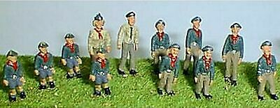 1960's onwards Cubs / Scouts 'On Parade OO Scale UNPAINTED Kit F196A