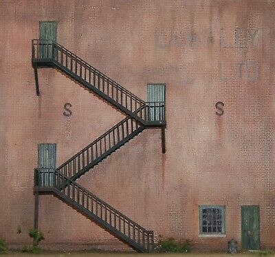 OO Scale Unpainted Model Kit 1:76  Fire Escape (for outside of buildings) F174