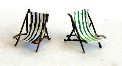 OO Scale Unpainted Model Kit 1:76  2 Empty deckchairs F121A