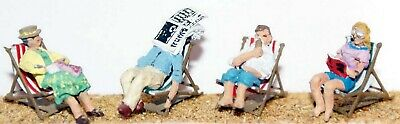 OO Scale Unpainted  Model Kit 1:76 - 4 deckchairs with figures F121