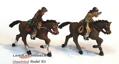 OO Scale Unpainted Models Kit Circus 2 Mounted Cowboys with pistols CIR9