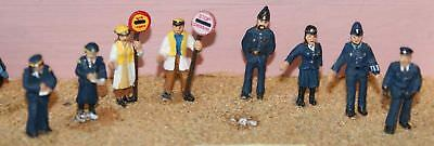 Langley Models 8 Police traffic wardens lollipop lady OO Scale PAINTED F188p
