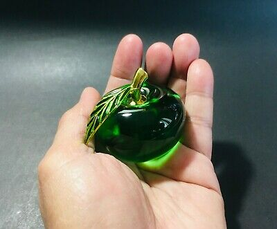 Beautiful Crystal Green Apple Glass Paperweight Decoration Souvenir Gift