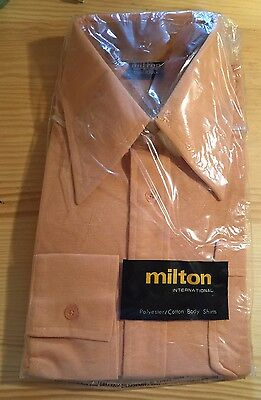 VINTAGE ORIGINAL MENS COTTON BODY SHIRT *NEW OLD STOCK * SIZE 105 18 1970's