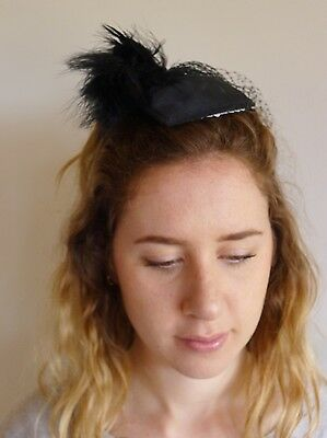 Vintage true 1980s black small fascinator hat very good feather net