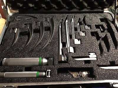 Laryngoscope Set Fiberoptic Propper Bright Dr Tested Look Never Used In Case